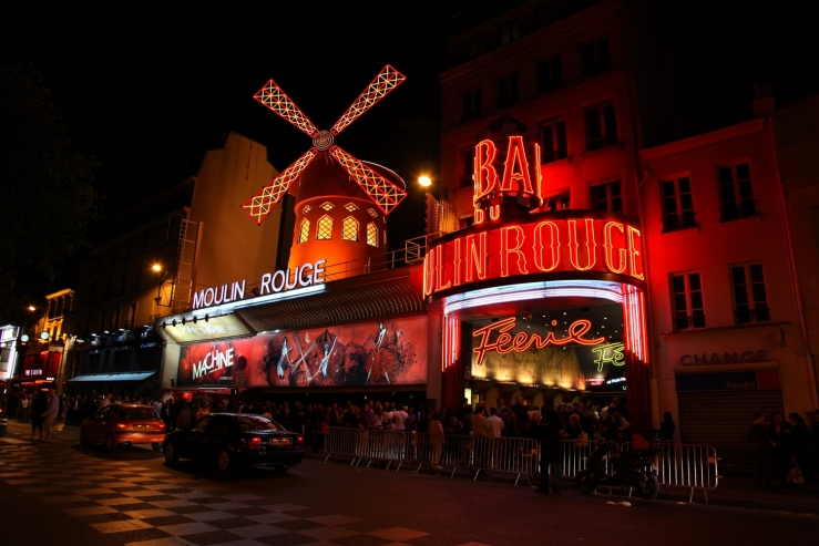 Moulin_Rouge,_Paris_April_2011