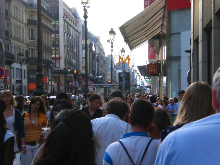 Rue_de_Rivoli_near_Chatelet